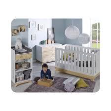 chambre bébé bois mini chambre bébé avec lit commode table à langer