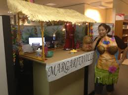 Christmas Cubicle Decorating Ideas by Margaritaville Themed Cubicle Decoration Cubicle Decorating
