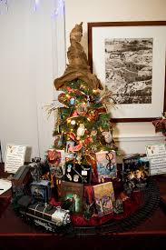 Christmas Tree Books Pinterest by Harry Potter Christmas Tree I Love This Christmas Crafts And