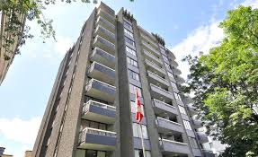 100 Crystal Point Apartments Court Hollyburn