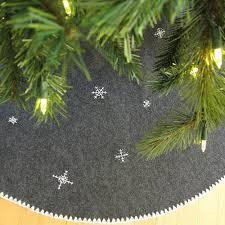 18 Awesome Christmas Tree Skirts To Make