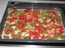 erdbeer rhabarber kuchen mit pudding liebe geht durch den