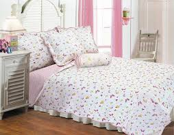 amazon com textiles plus butterfly dance quilt set with 2