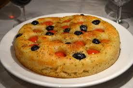 focaccia pugliese aux tomates et olives la p tite cuisine de pauline