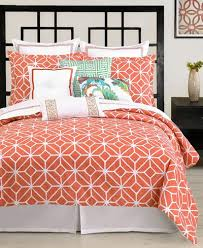 Coral Colored Bedding by Best 25 Coral Bedspread Ideas On Pinterest Bed Spreads
