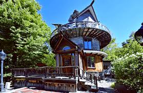 104 House Tower Asking 1 2m Muppet Set Designer S Catskills Is A Playful Sculpture You Can Live In 6sqft