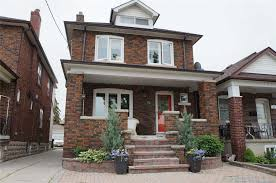 100 Triplex Toronto 19 Bansley Avenue C4309463 Is Sold Find Out