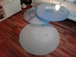 couchtisch massiv glas blau silber