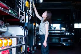 100 Female Truck Driver We Meet The Gaining Popularity In Japan