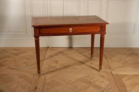 bureau acajou bureau en acajou estillé jean françois leleu vers 1780