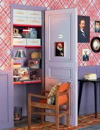 bureau dans un placard un bureau aménagé dans un placard