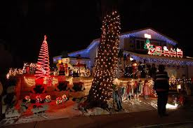 Alameda Christmas Tree Lane 2015 by Christmas Lights Best Decorated Streets In The Thrillist