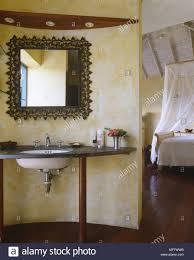schlafzimmer waschbecken stockfotos und bilder kaufen alamy