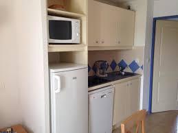cuisine lave vaisselle cuisine équipée frigo micro onde lave vaisselle plaque