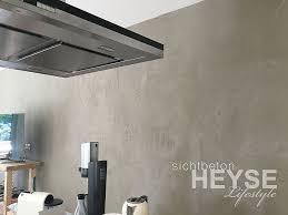 wände in betonoptik gestaltung eines wohnzimmers und der