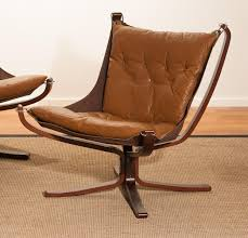 Three Camel Leather 'Falcon' Lounge Chairs And Coffee Table By Sigurd  Ressell Falcon Red Chrome Chair Found Blue Gaming Chair Xgamer Aguri Red Black Royal India Leather Vatne Mobler Vintage Leather Rosewood Framed Low Backed Designed By Sigurd Resell Lovely And Company Star Wars Emperor Throne Armchair Value Lyra Office Desk Executive Adjustable Scdinavian Modern Mid Century Ressell