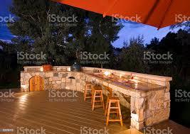 outdoorküche in der dämmerung stockfoto und mehr bilder abenddämmerung