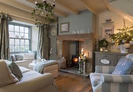 Cottage Livingroom 25 Beautiful Homes House And Home Magazine Cottage