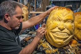 Scariest Pumpkin Carving by This Guy Makes The Scariest Pumpkin Carvings Ever Bored Panda