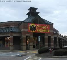 Spirit Halloween Tucson Mall by Danhowell Sur Twipost Com Ten Halloween Shops To Get Your Costume