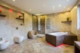 kontakt pineca de on ein badezimmer im