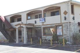 Bud Inn Massapequa NY Booking