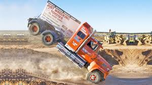 Truck Jumps Gone Wrong - YouTube