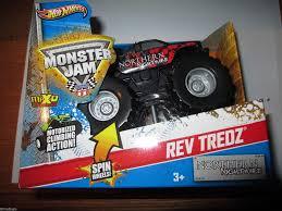 100 Monster Truck Jam 2013 Hot Wheels Rev Tredz NORTHERN NIGHTMARE Official Series 143 Scale