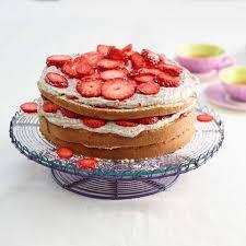 erdbeer holunderblüten torte rezept essen und trinken