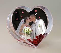 le cadre coeur avec confettis animé cadeaux invités mariage