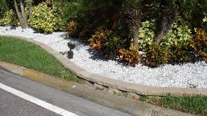 Contoured Landscape Border With White Marble Chips