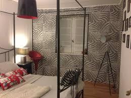 chambre zebre et chambre rdc photo 1 3 papier peint zèbre mur de cadre ladaire