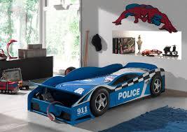 chambre voiture garcon lit voiture enfant coloris bleu bolide lit voiture chambre