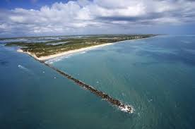 Bathtub Beach Stuart Fl Address by The Most Dangerous Beaches For Shark Attacks In The U S Huffpost