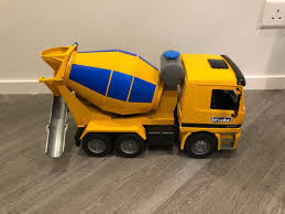 Bruder Cement Truck, 玩具& 遊戲類, 玩具喺Carousell Tyler Bruder Cement Truck Youtube Fire Trucks Mb Arocs Mixer Red Cement Mixer In Thaxted Essex Gumtree Bruder Toys Blue And White 116 Scale 3821 Youtube Unboxing And Playing Big Just Like The K Creative Toys Concrete Pump An Scale Models By First Gear Nzg 02744 Man Tga Decotoys Find More Great Shape Has Real Working West Bridgford Nottinghamshire Kids Toy Scania Unboxing Playtime