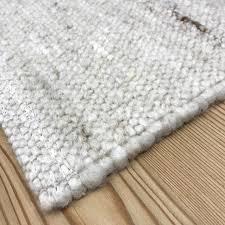 handgewebter wollteppich imst für wohnzimmer im bergchalet stil weiß beige braun meliert auch nach maß