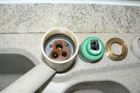 comment changer un robinet mitigeur de cuisine démontage complet d un mitigeur