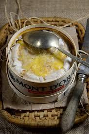 cuisiner le mont d or mont d or au four la boîte chaude recette tangerine zest