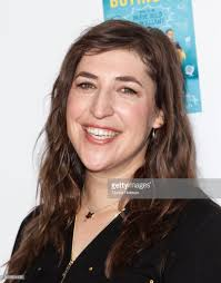 Mayim Bialik Attends The Mamarazzi Event Hosted By THE MOMS Celebrating Her New Book