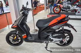 Aprilia SR 150 Black Seat At Auto Expo 2016