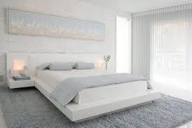 schlafzimmer ideen weiss bett natursteinwand modern