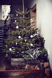 Prelit Christmas Tree That Lifts Itself by Best 25 Christmas Tree Decorations Uk Ideas On Pinterest