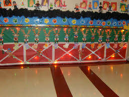 Kindergarten Christmas Door Decorating Ideas by Reindeer Stable Christmas Classroom Hallway Display C C