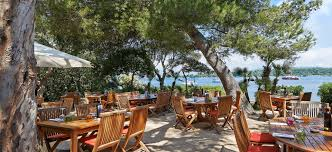 la tonnelle restaurant in the of the honorat island