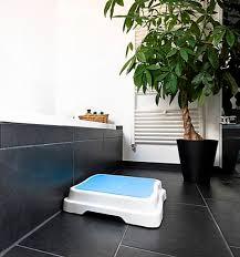 badewannenstufe badezimmer tritt