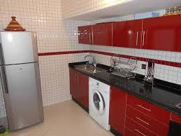 tv dans cuisine tv encastrable cuisine excellent meuble tv cran plat escamotable