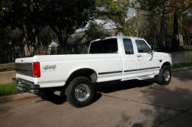 1996 Ford F-250 Photos, Informations, Articles - BestCarMag.com