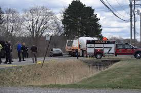 100 Cement Truck Video Motorist Dies In Headon Crash With Cement Truck In Macomb Township