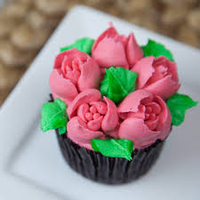 Cakes Decorated With Russian Tips by Russian May Tulip Tip Russian Tips