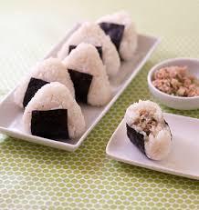 la cuisine japonaise onigiri au thon et concombre cuisine japonaise les meilleures